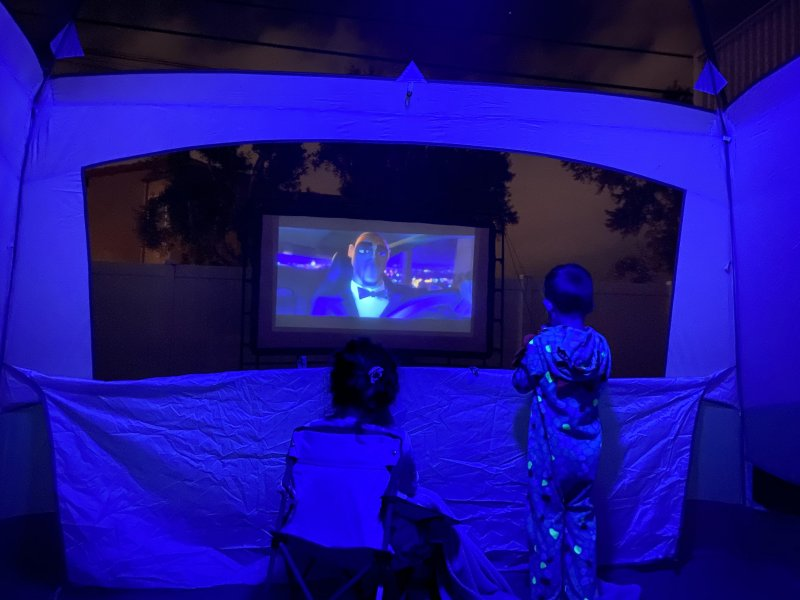 Glamping in the back yard 🍿