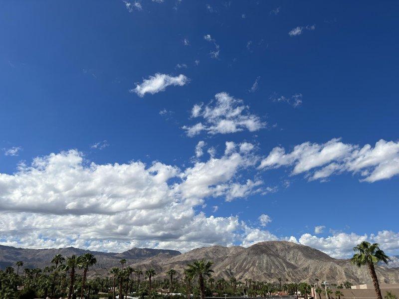 🏜 Lovely desert day