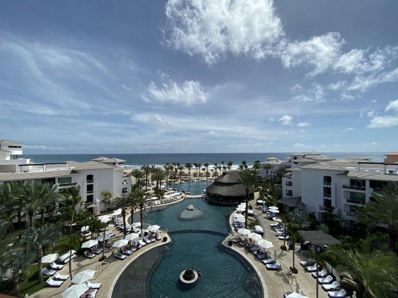 Cabo Views 🏝